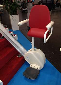 MediTek DSP100 Stand and Perch stairlift