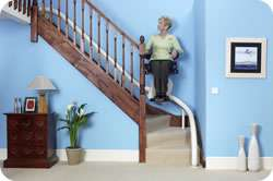 Freelift stairlift for curved stairs
